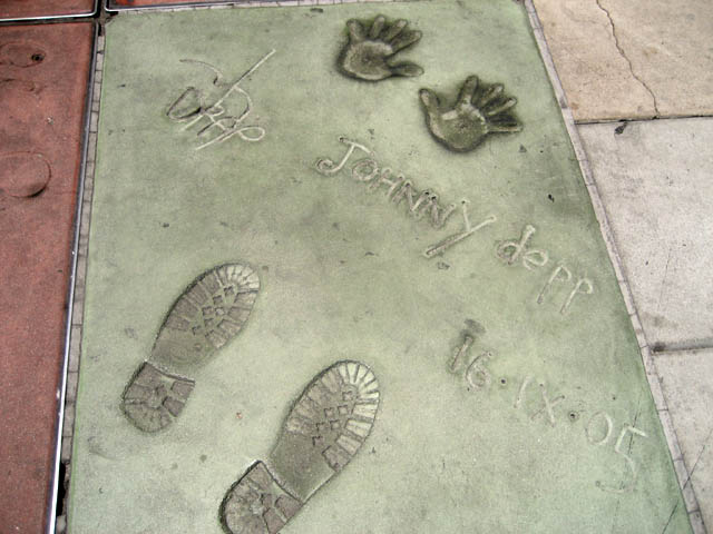 Of course, I had to take a picture of super-sexy Johnny Depp's hand and footprints!