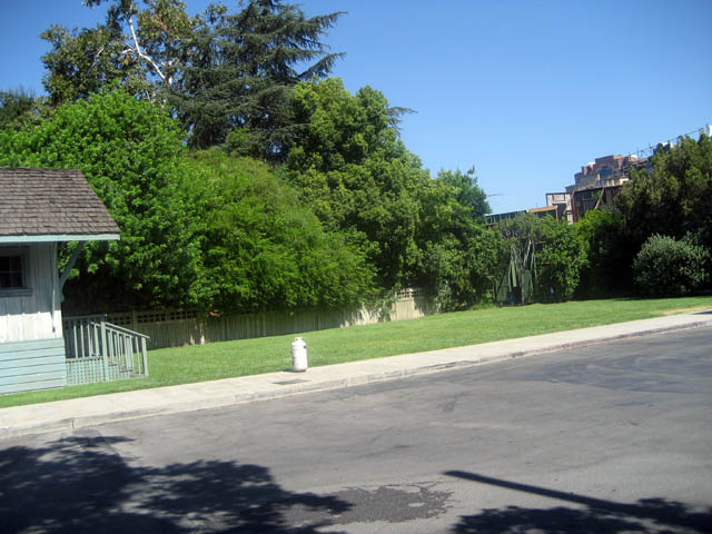 Warner Bros. Studio—where the cast of FRIENDS played football.